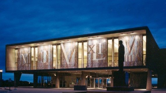 Milwaukee-County-War-Memorial-Center-602x320
